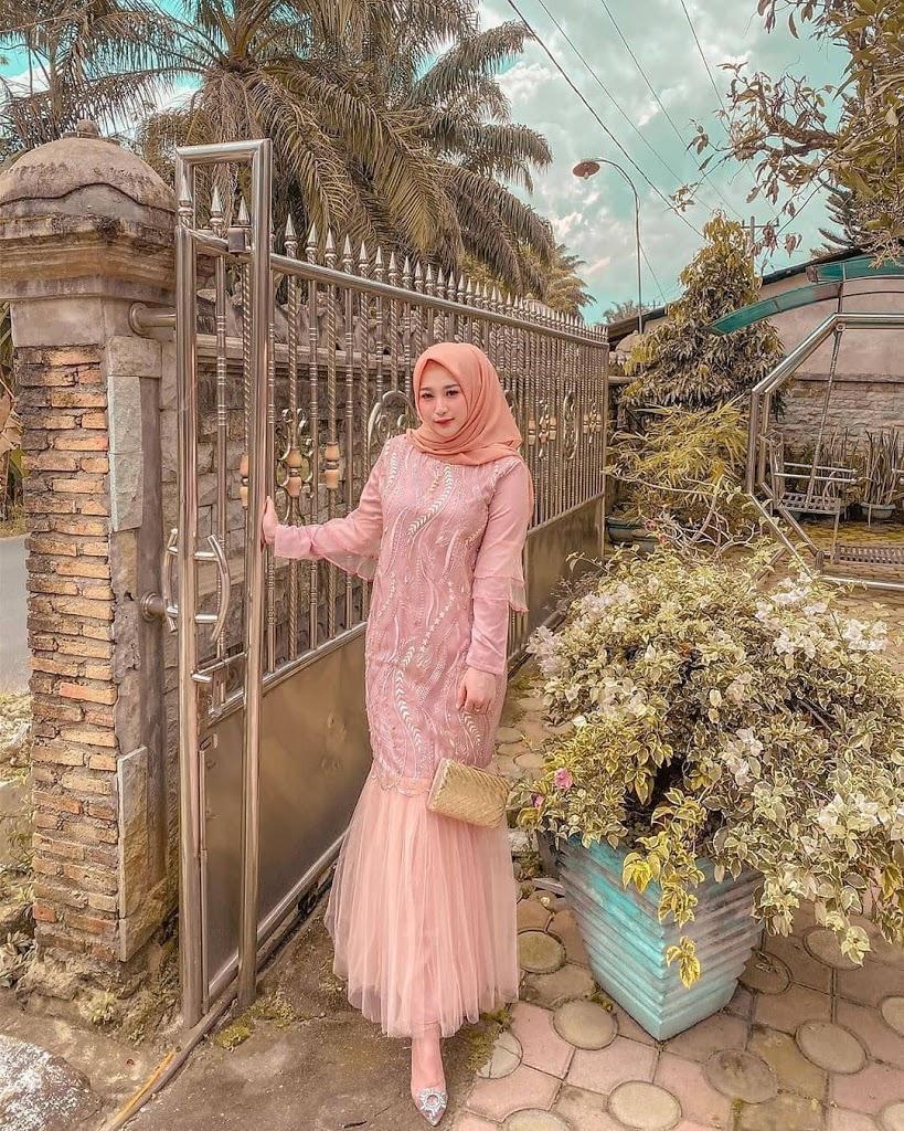 Beberapa Kebaya Model untuk Wanita Muslimah yang Keren