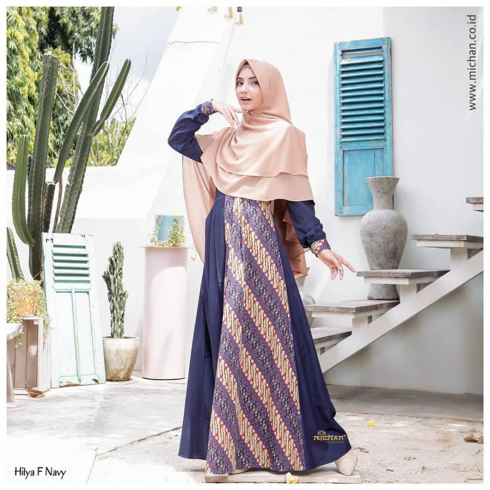 Beberapa Model Gamis Batik Kombinasi - Jacmelchamber